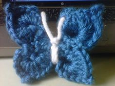 In this video you will learn how to crochet a Beautiful and easy crochet butterfly. This is great to add to hats, shawls, bags, headbands, etc. This is NOT a flat butterfly. Crochet Butterfly Free Pattern, Granny Square Crochet Pattern, Crochet Motif, Crochet Yarn, Crochet Flowers, Easy Crochet, Crochet Stitches, Free Crochet, Crochet Patterns