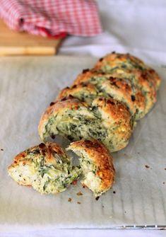 Spinach and Feta Cheese Bread  #bread #cheese #tuzubiberi