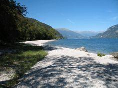 A beach in Onno, Lake Como | Spiaggia a Onno, Lago di Como
