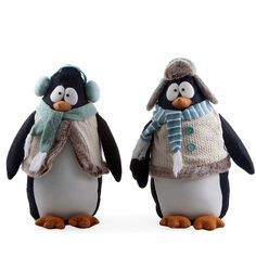 Extra large felt penguin ornaments with googly eyes. totally adorable and fun for #Christmas