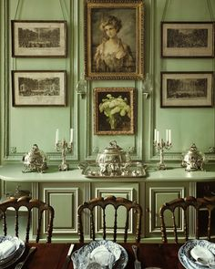 9 Fabulous Shades of Green Paint and One Common Mistake : Like the design of the sideboard/buffet. hotel particulier in the Marais Private Houses of France Ivy House, Decoration Inspiration, Home Decoration, Interior Decorating, Interior Design, Interior Office, Interior Sketch, Studio Interior, Interior Plants
