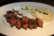 Celerove pyre s hovezim flank steakem /Celery mash with beef flank steak/ Zdravé, nízkosacharidové, bezlepkové recepty. (Healthy, low carb, gluten free recipes.)