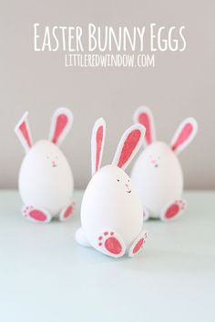 Make Easter the best day ever for you and your kids with these Adorable DIY Easter Egg Designs! They're a fun craft and make for sweet Easter decorations. Easter Crafts To Make, Easter Art, Easter Crafts For Kids, Bunny Crafts, Easter Decor, Easter Ideas, Easter Bunny Eggs, Bunnies, Bunny Bunny