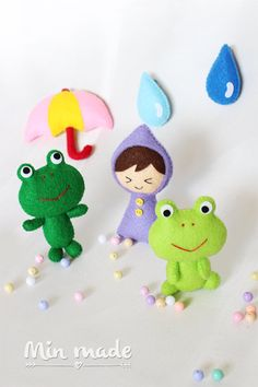 Hey, I found this really awesome Etsy listing at https://www.etsy.com/listing/224783047/frogfrog-mobileforg-dollgirl