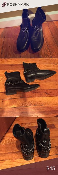 """Cute chain booties Black cute comfy chain booties. 5x used Please note that these are aerosoles boots I put it under """"Zara just for exposure purposes"""" Zara Shoes Ankle Boots & Booties"""