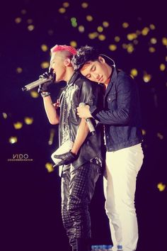G-Dragon (지드래곤) and Seungri (승리)