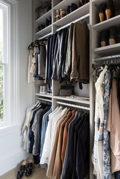 Have more confidence in your personal style and get your closet organized once and for all! -– The Effortless Chic