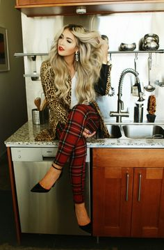 (Not the animal print though) jacket: H&M (similar below) top: c/o Windsor pants: c/o Windsor shoes: Target watch: c/o Jewelers Wife (Movado) bracelet and ring: c/o Melissa Lovy Fashion Moda, Love Fashion, Fashion Beauty, Fashion Ideas, Mode Style, Style Me, Cara Loren, Looks Chic, Mixing Prints