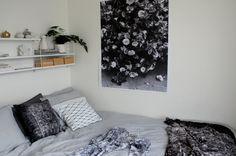 http://www.lekiosk.se/inredningsdetaljer/affischer-kort/megaposter-roses.html