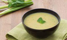 Soupe de poireaux au Boursin au Thermomix, une savoureuse soupe bien parfumée et surtout bien réchauffante très facile et simple à réaliser pour un dîner d'hiver.