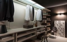 Walk-in wardrobe STORAGE Storage Collection by Porro | design Piero Lissoni, Centro Ricerche Porro