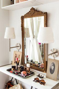 Ikea fan favorite songe mirror check your head to toe for Miroir ikea songe