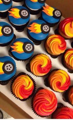 Hot Wheels Birthday, Race Car Birthday, Race Car Party, 4th Birthday, Birthday Ideas, Hotwheels Birthday Cake, Blaze Birthday Cake, Bolo Hot Wheels, Hot Wheels Cake