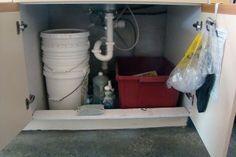 Stacked-bucket worm bin under my kitchen sink Worm Farm, Worm Composting, Green Garden, Aquaponics, Permaculture, Worms, Indoor Garden, Kitchen Sink, Bucket