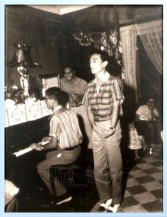 Dolphy singing Glory of the Sunset that launched him to stardom. In the background is Rudy Francisco smiling Filipino Fashion, Filipino Culture, Filipiniana, Manila Philippines, Pinoy, Old Skool, Book Art, Real Life, Nostalgia