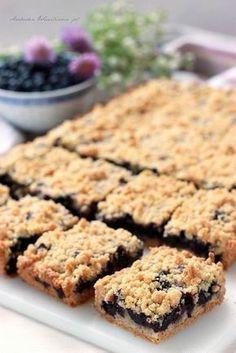 Arabeska : Kruszonkowe ciasto z jagodami Polish Desserts, Polish Recipes, No Bake Desserts, Delicious Desserts, Dessert Recipes, Pumpkin Cheesecake, Food Cakes, How Sweet Eats, Dessert Bars