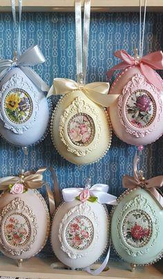 Easter 2020, Easter Parade, Easter Projects, Easter Crafts For Kids, Easter Egg Designs, Egg Crafts, Diy Easter Decorations, Egg Art, Victorian Christmas