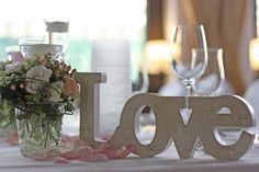 LOVE - Rosamunde Pilcher inspirierte Sommerhochzeit in Pfirsich, Apricot, Pastelltöne - Heiraten in Garmisch-Partenkirchen, Bayern, Riessersee Hotel, Seehaus am Riessersee - Hochzeit am See in den Bergen - Peach and Pastell wedding