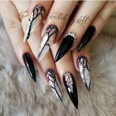 Best Black Stiletto Nails Designs For Your Halloween; Black nails; Cute Acrylic Nails, Cute Nails, Pretty Nails, Acrylic Art, Nail Art Halloween, Halloween Nail Designs, Halloween Halloween, Nail Art Designs, Acrylic Nail Designs