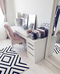 Closet Room Glam