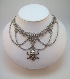 chainmaille necklace, skull choker.  Day of the dead, dia de los muertos.  Vampire, skeleton, horror, dungeon and dragon, larp, medieval. $30.00, via Etsy.