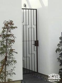 ロートアイアン施工事例:門扉