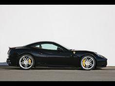 Black-Novitec-Rosso-Ferrari-California-Side-Wallpaper.jpg