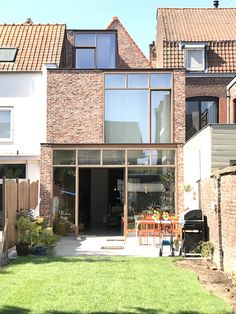 Co Housing, Tiny Living Rooms, House Extension Design, Small Backyard Landscaping, House Extensions, Big Houses, Beautiful Buildings, Sustainable Design, Building A House