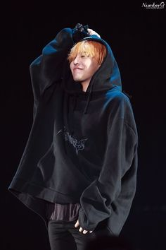 G-Dragon Tour in Chengdu Daesung, Gd Bigbang, Bigbang G Dragon, G Dragon Fashion, Men's Fashion, Ringa Linga, Kpop Comeback, Crybaby Melanie Martinez, Ji Yong