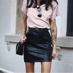 Street fashion | Basic tshirt, edgy leather black leather skirt, purse