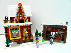 Lego MOC Glass Blower's Shop Exterior 1 | Shopping for a new… | Flickr Lego Christmas Sets, Lego Christmas Ornaments, Christmas Scenery, Christmas Villages, Xmas, Lego Winter Village, Village Kids, Lego Gingerbread House, Lego Activities