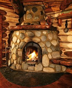 River Rock Fireplaces, Rustic Fireplaces, Stone Fireplaces, Reclaimed Furniture, Log Furniture, Cabin Homes, Log Homes, Fireplace Art, Fireplace Ideas