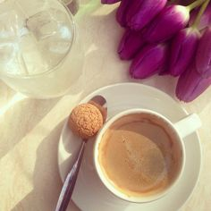 coffee and amaretti biscuit