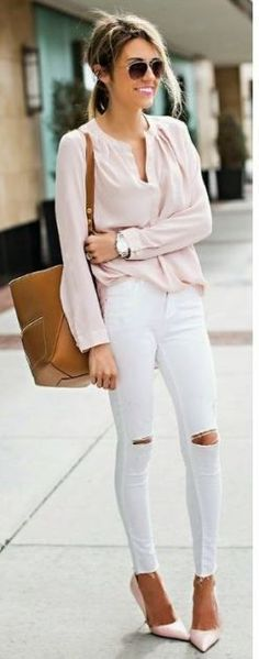 I love these white skinny jeans and this cute spring outfit!