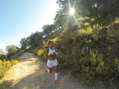 Paula Butragueño, practicando Trail Running en la Etapa 25 de Gran Senda de Málaga. #GR249