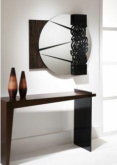 Adorno de Parede Toccata florida com espelho redondo, fundo de madeira trabalhada. http://www.moradamoveis.com/
