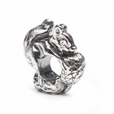 Novobeads Squirrel Bead Charm in Sterling Silver - Made in the USA - Fits Pandora and Other European Bead Bracelets Novobeads, http://www.amazon.com/dp/B007C7J1HC/ref=cm_sw_r_pi_dp_U9sptb04SKDJMVF4