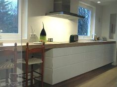 Beautiful Kitchen Narrow Kitchen, Beautiful Kitchens, Kitchen Inspiration, Table, Furniture, Home Decor, Decoration Home, Room Decor, Tables