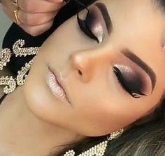 25 best eyeshadow color makeup ideas for brown eyes 29 Glam Makeup Look, Gorgeous Makeup, Love Makeup, Makeup Inspo, Makeup Inspiration, Makeup Ideas, Edgy Makeup, Teen Makeup, Glamour Makeup