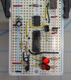 Build a crossing signal circuit Model Training, Simple Circuit, Ho Trains, Model Train Layouts, D 20, Train Set, Instant Access, Models, Classic Toys
