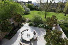 With a North West orientation, and tucked between the client's elegant house and a dreamy communal garden, this garden is perfectly located. The clients were proceeding to a full refurbishment of their elegant home and their design brief for the garden specified a contemporary feel with good entertaining space.