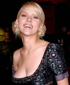 Forty beautiful images of the ravishing American actress -- enjoy collection of the sexiest Scarlett Johansson photos ever seen! Scarlett Johansson, Beautiful Celebrities, Beautiful Actresses, Gorgeous Women, Girl Celebrities, Scarlett And Jo, Actrices Sexy, Hollywood, Blond