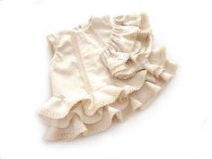 Tutorial que muestra el paso a paso para hacer un vestido de #flamenca de #bebé con cubrepañal #vestidodeflamencaTutorial que muestra el paso a paso para hacer un vestido de #flamenca de #bebé con cubrepañal #vestidodeflamenca