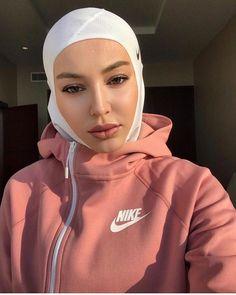 Image may contain: 1 person, closeup Muslim Girls, Muslim Women, Hijab Sportswear, Muslim Fashion, Hijab Fashion, Modest Fashion, Sports Hijab, Hijab Mode, Turban Hijab