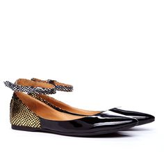 Sole Society - Kirby - snake detail flat    **hey stalker i want the ones that are black and studded ;)