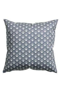 Vzorovaný povlak na polštářek: Povlak na polštářek z bavlněného kepru s tištěným vzorem. Má skrytý zip.