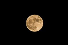 The Moon was absolutely gorgeous tonight. Space Photography, Super Moon, Universe, Space Pics, Space Images, Full Moon, April Full, Hold, Moon Phases