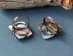 Wire Jewelry Rings, Brass Jewelry, Wire Earrings, Jewlery, Wire Wrapped Rings, Wire Wrapped Pendant, Wire Crafts, Jewelry Crafts, Handmade Copper