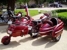 Vintage Motorcycles Classic sidecars for motorcycles Motorcycle Museum, Motorcycle Tips, Motorcycle Design, Motorcycle Style, Motorcycle Accessories, Sidecar Motorcycle, Cruiser Motorcycle, Custom Moped, Custom Choppers