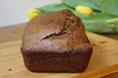 Wake-Up Cocoa Quick Bread. looks simple and delicious Quick Bread Recipes, Baking Recipes, Breakfast Recipes, Dessert Recipes, Desserts, Applesauce Bread, Good Food, Yummy Food, Banana Nut Bread